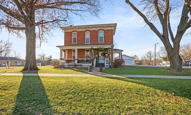 118 N West St, Sigourney, Iowa